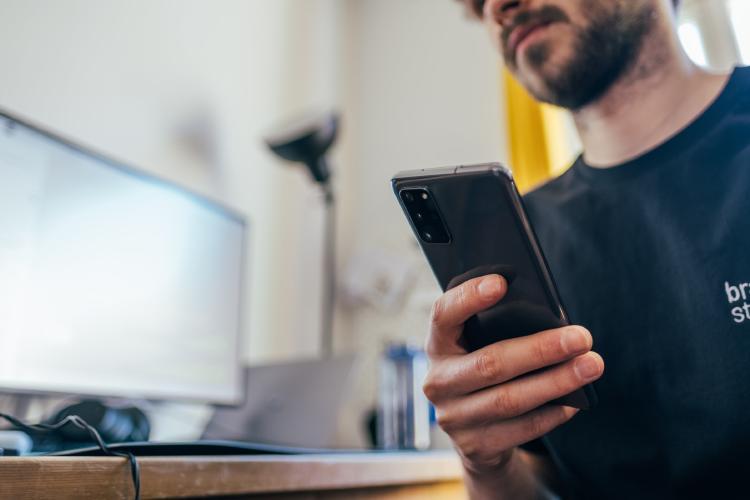 El móvil, principal fuente de \'doomscrolling\'.