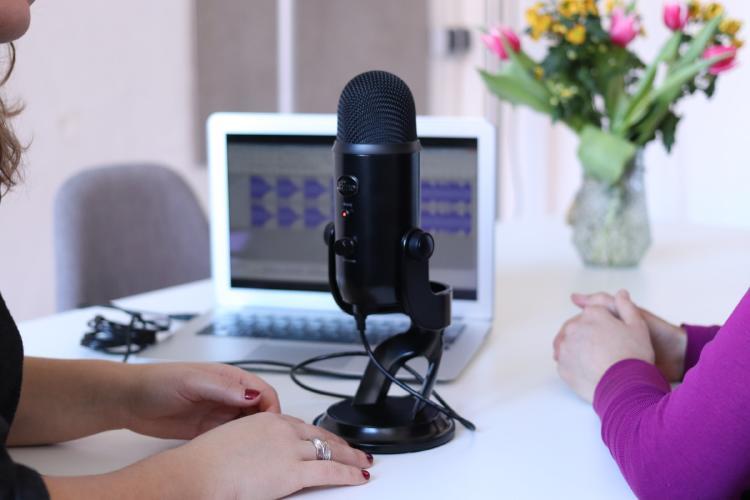 Equipo para grabar podcasts.