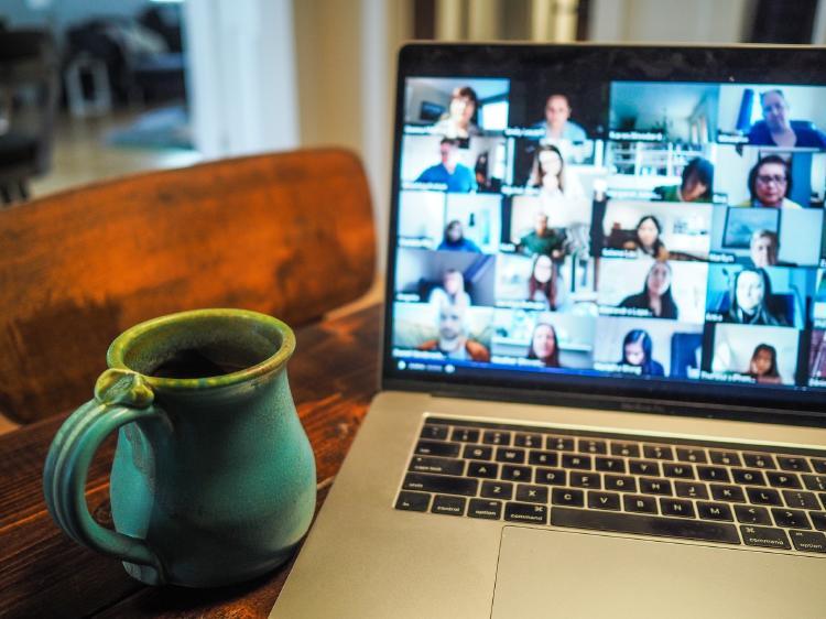 Zoom Meeting, app de videollamadas en grupo.